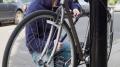За крадіжку велосипеда та куртки чернівчанина засудили до трьох років в'язниці