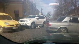На Соборній площі у Чернівцях сталась аварія