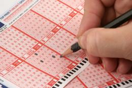 У Чернівцях сім'я працівниці податкової виграла в лотерею 28 тисяч гривень