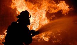 У Чернівцях із палаючої квартири втували матір з маленькою дитиною