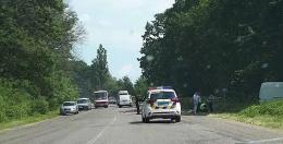"""На Буковині зіткнулись мікроавтобус """"Мерседес"""" та """"Фольксваген"""" водій у реанімації (фото)"""
