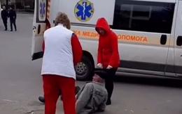 У Чернівцях між бригадою «швидкої» та п'яним чоловіком виник конфлікт