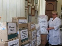 Чернівецька обласна лікарня передала на передову великий вантаж ліків (фото)