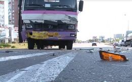 В автобус з Чернівців врізалась іномарка, вагітна пасажирка потрапила до лікарні