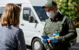 """У пункті пропуску """"Порубне"""" затримали 20 осіб з фальшивими тестами на COVID-19"""