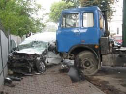 В Мамаївцях вантажівка протаранила легковик з однорічною дитиною, є постраждалі (фото)