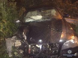 На Буковині БМВ на швидкості злетів у к'ювет, загинув водій (фото)