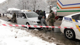 У Чернівцях затримали зловмисників, які грабували автомобілі (фото+відео)