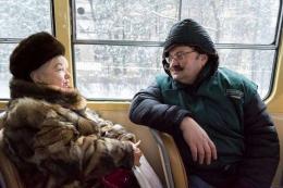 З'явились фото, як мер Чернівців перевтілювався на кондуктора тролейбуса (фото)
