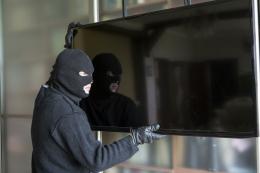 У Чернівцях правоохоронці викрили 58-річного крадія, який викрав з ресторану два телевізори