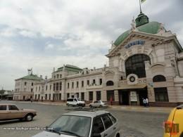 У Чернівцях на вокзалі у жінки вкрали сумку