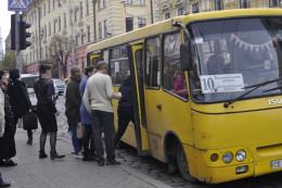 У мерії Чернівців закликають перевізників взяти на обслуговування автобусний маршрут №10