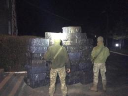 Черговий «караван», що прямував з сигаретами до Румунії, зупинили спецпризначенці Чернівецького прикордонного загону (фото)