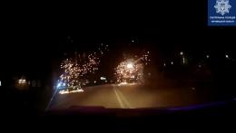 """У Чернівцях """"BMW"""" врізався в електроопору, постраждало четверо осіб"""