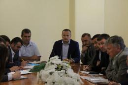 В Кельменцях на засіданні антирейдерського штабу урегульовано земельні питання