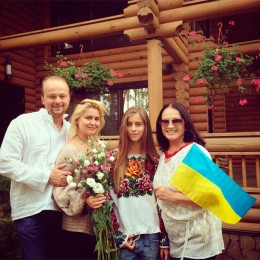 Софія Ротару з сім'єю
