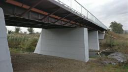 На Буковині обвалилася частина тимчасового мосту через Прут