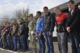 """На Буковині до армії відправили першу """"партію"""" призовників"""