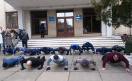 Посадовці Кіцманщини взяли участь у флешмобі на підтримку воїнів АТО (відео)