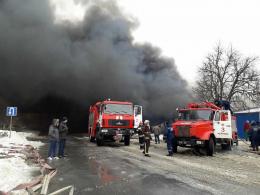 Рятувальники назвали офіційну причину пожежі на Калинівському ринку Чернівців