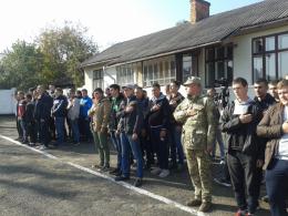 На Буковині до війська урочисто відправили 56 призовників