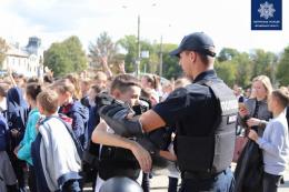 У Чернівцях провели флешмоб: «Танцюй проти булінгу!» (відео)