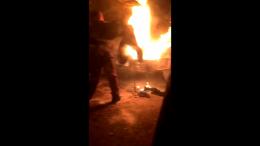 На Буковині посеред вулиці загорівся вантажний автомобіль MAN (відео)