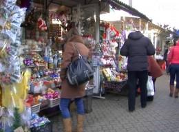 Шукаючи подарунки для близьких, чернівецькі покупці помітно заощаджують (відео)