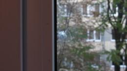У Чернівцях у студмістечку стріляли по вікнах гуртожитку (фото)