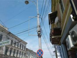 Зовнішню рекламу у Чернівцях демонтують уночі