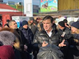 """Михайло Саакашвілі прихав до Чернівців і відвідав """"Калинівський ринок"""""""