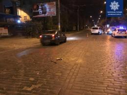 У Чернівцях на Головній сталось ДТП, винуватець аварії намагався втекти (фото)