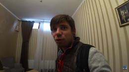 У Чернівцях блогер обурився через готельний номер без вікна (відео)