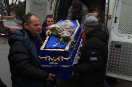 На Буковину привезли загиблого в АТО Героя (фото)