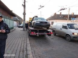 У Чернівцях поліція затримала водія з ознаками сп'яніння, який керував автівкою без документів (фото)