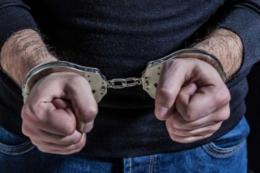 На Буковині на три роки умовно засудили чоловіка, який скоїв грабіж