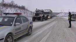 Через негоду на Буковині застрягли десятки вантажівок (фото+відео)