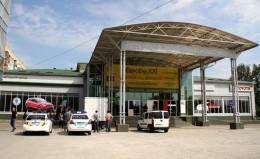 Нові власники бізнес центру у Чернівцях виганяють орендарів