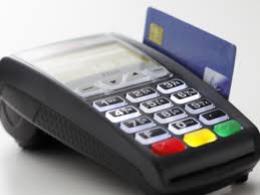 Чернівчанка сама зняла гроші з кредитної картки, а поліцію запевняла, що їх вкрали