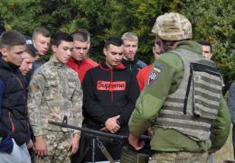 """На Буковині на полігоні """"Прибан"""" десантники провели День відкритих дверей"""