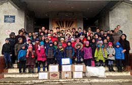 На Буковині школярі передали теплі речі військовим в зону АТО