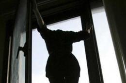У Чернівцях патрульні врятували дівчину від самогубства (відео)