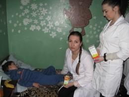 Студенти БДМУ подарували ліки пацієнтам обласної дитячої лікарні