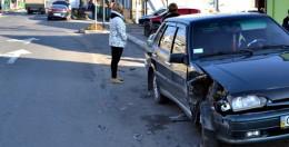 На Буковині сталась ДТП, легковик протаранив ВАЗ (фото)