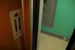 У Чернівцях через виявлені порушення суд зупинив роботу чотирьох ліфтів у двох багатоповерхівках
