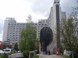 """Чернівецький депутат пропонує викупити за кошти бюджету готель """"Черемош"""""""