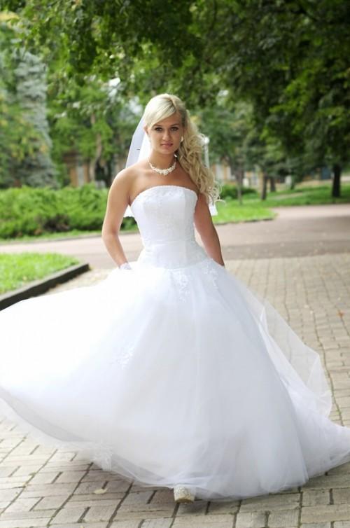 d683b7c5c310fb Чернівецькі сукні – для австралійських та африканських наречених ...