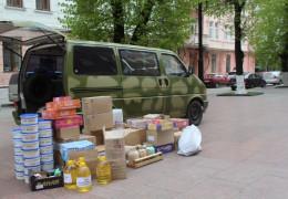 Volkswagen Transporter, який купили благодійники, з продуктами харчування буде відправлено у зону АТО