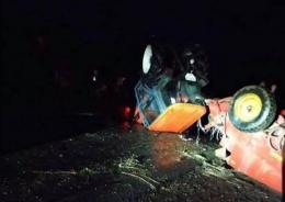 На Буковині зіштовхнулися «Лада» і трактор з причепом (фото)