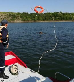 У Дністрі на Буковині ледь не потонув п'яний чоловік